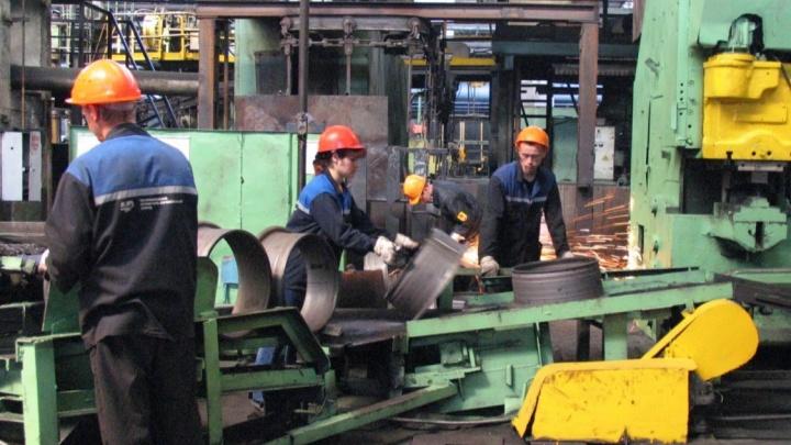 Рабочие обанкротившегося курганского завода получили зарплату, которую ждали три года