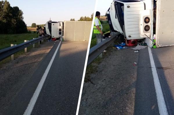 Авария произошла на трассе рано утром