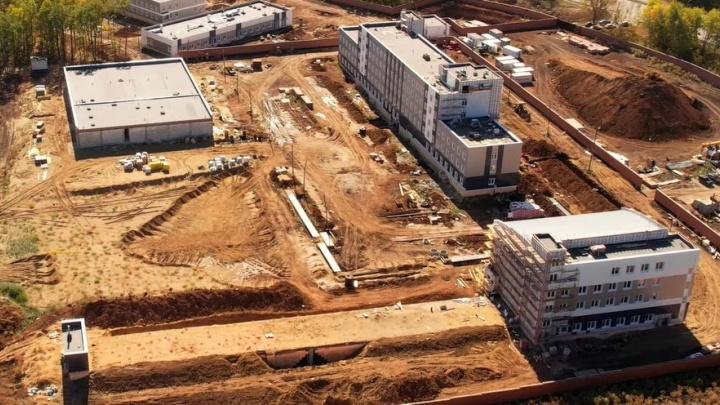 Для будущего комплекса ГИБДД у «Солидарность Арены» построили два корпуса