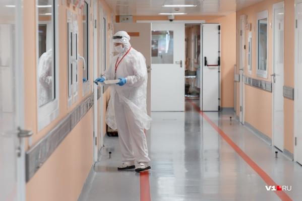 В «красной» зоне тяжело и пациентам, и врачам