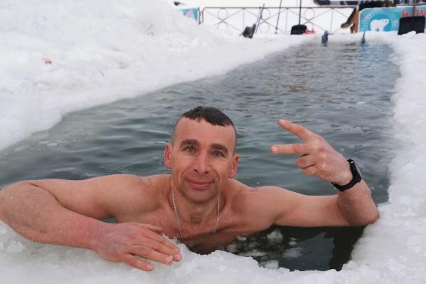 Олег Гарифуллин любитель закаляться зимой