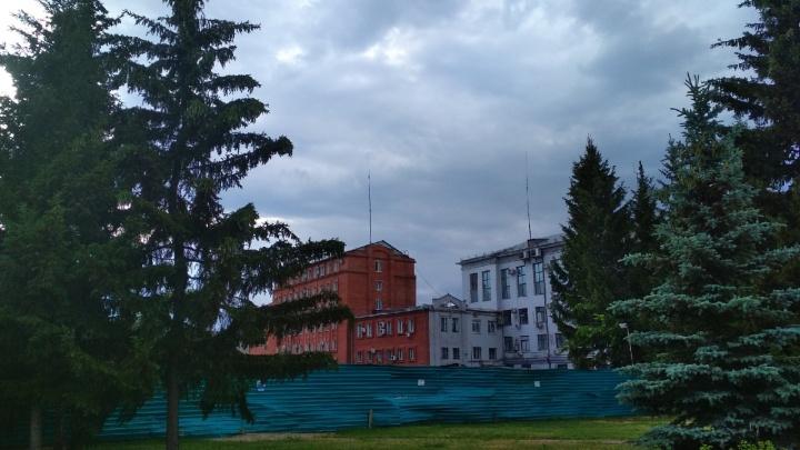 Срок сдачи нового корпуса СибГУФКа на Тарской перенесли на полгода