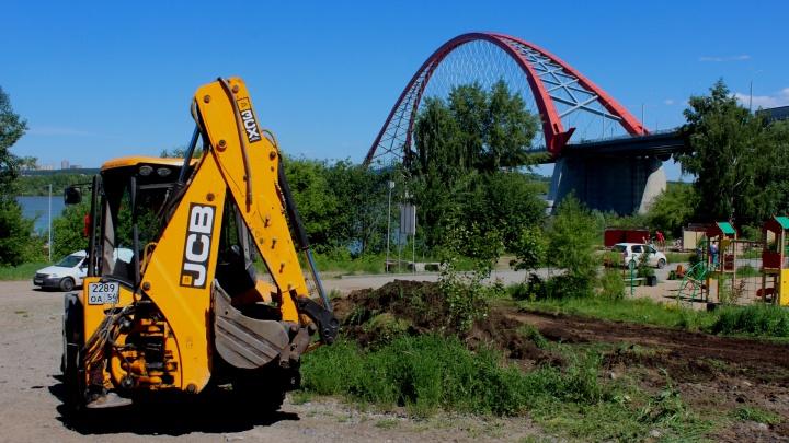 У Бугринского пляжа начали строить бассейны и водопад — новосибирцам предложили скинуться на это по 500 тысяч