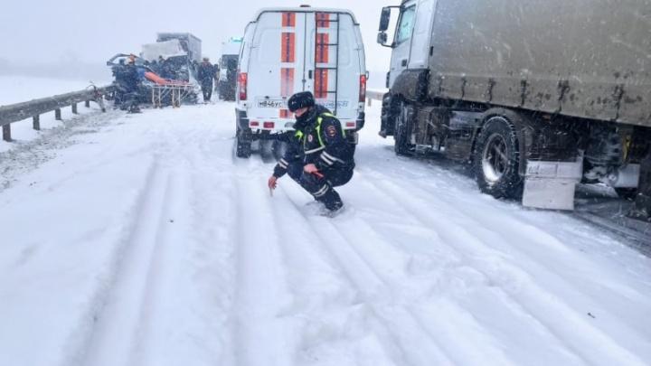 Жуткая авария на границе Волгоградской области — двое погибших, двое пострадавших