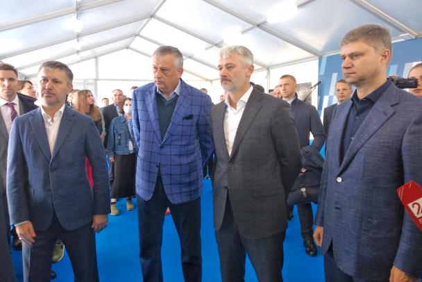 Слева направо: Константин Гончаров, Александр Дрозденко, Евгений Дитрих и Олег Белозеров перед закрытым совещанием