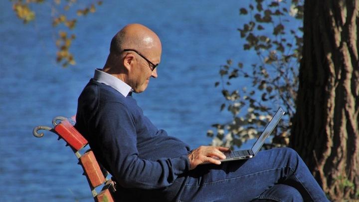 Старшее поколение в онлайн: проект «Азбука интернета» пополнился новыми видеоуроками
