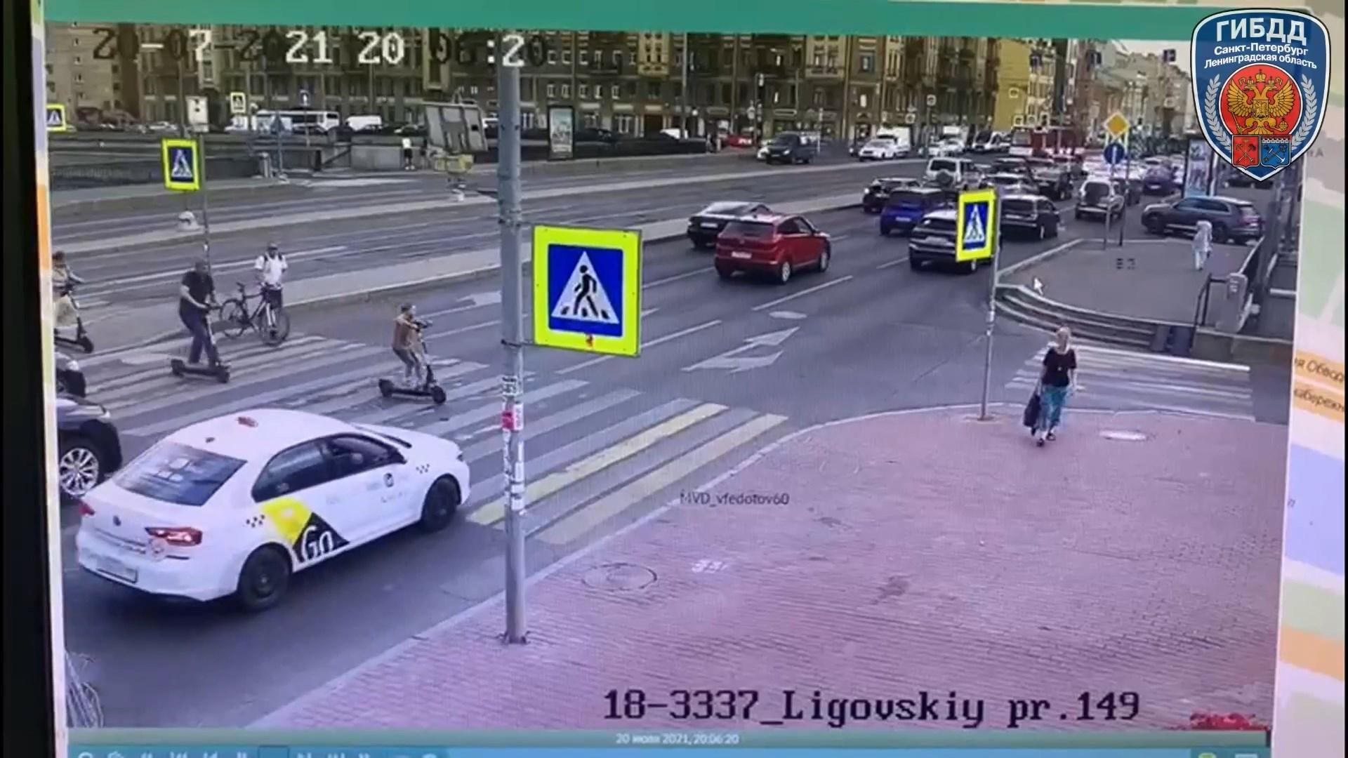 "Скриншот видео <a href=""https://vk.com/wall-101569986_19298"" class=""io-leave-page _"" target=""_blank"">УГИБДД по Петербургу и Ленобласти</a>"