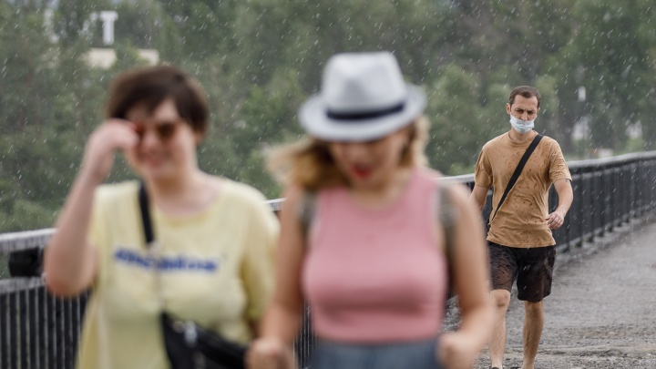 Мало не покажется: непогода в Волгоградской области будет бушевать до конца июля