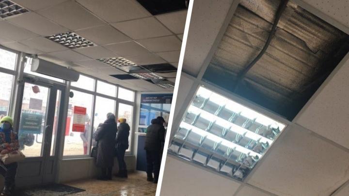 На автостанции Новосибирск-Главный протекла крыша— владельцы рассчитывают построить новый павильон