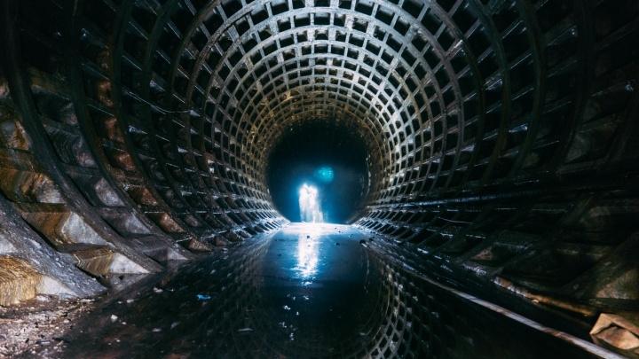 Прокуратура начала проверку после того, как в омском метро пожарили шашлыки и катались на лодке