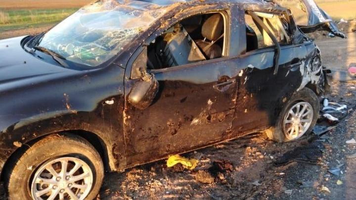 Родители везли с соревнований: под Волгоградом грузовик раздавил машину с девочками-фигуристками