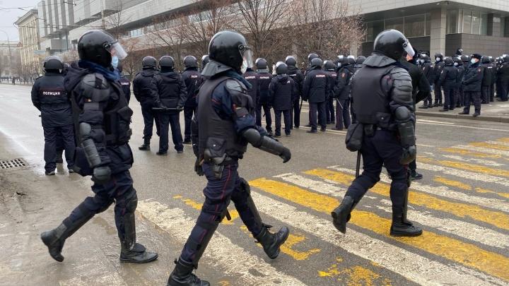Несанкционированная акция протеста в Волгограде остановила движение по Первой Продольной