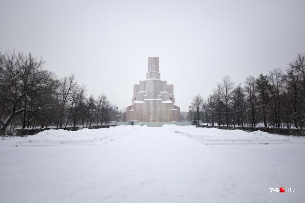 Саму церковь, возле которой поставят монумент, сейчас восстанавливают. В состоянии ремонта она будет находиться два года