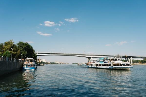 Часовые прогулки по реке проходят каждый день
