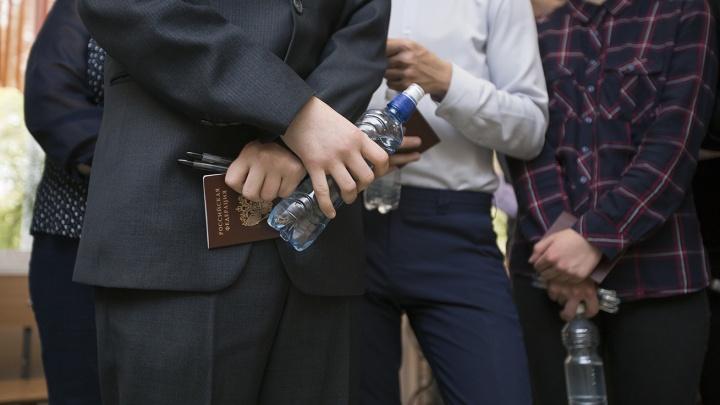 В Челябинской области подросток по телефону экстренных служб заявил, что придет в школу с оружием