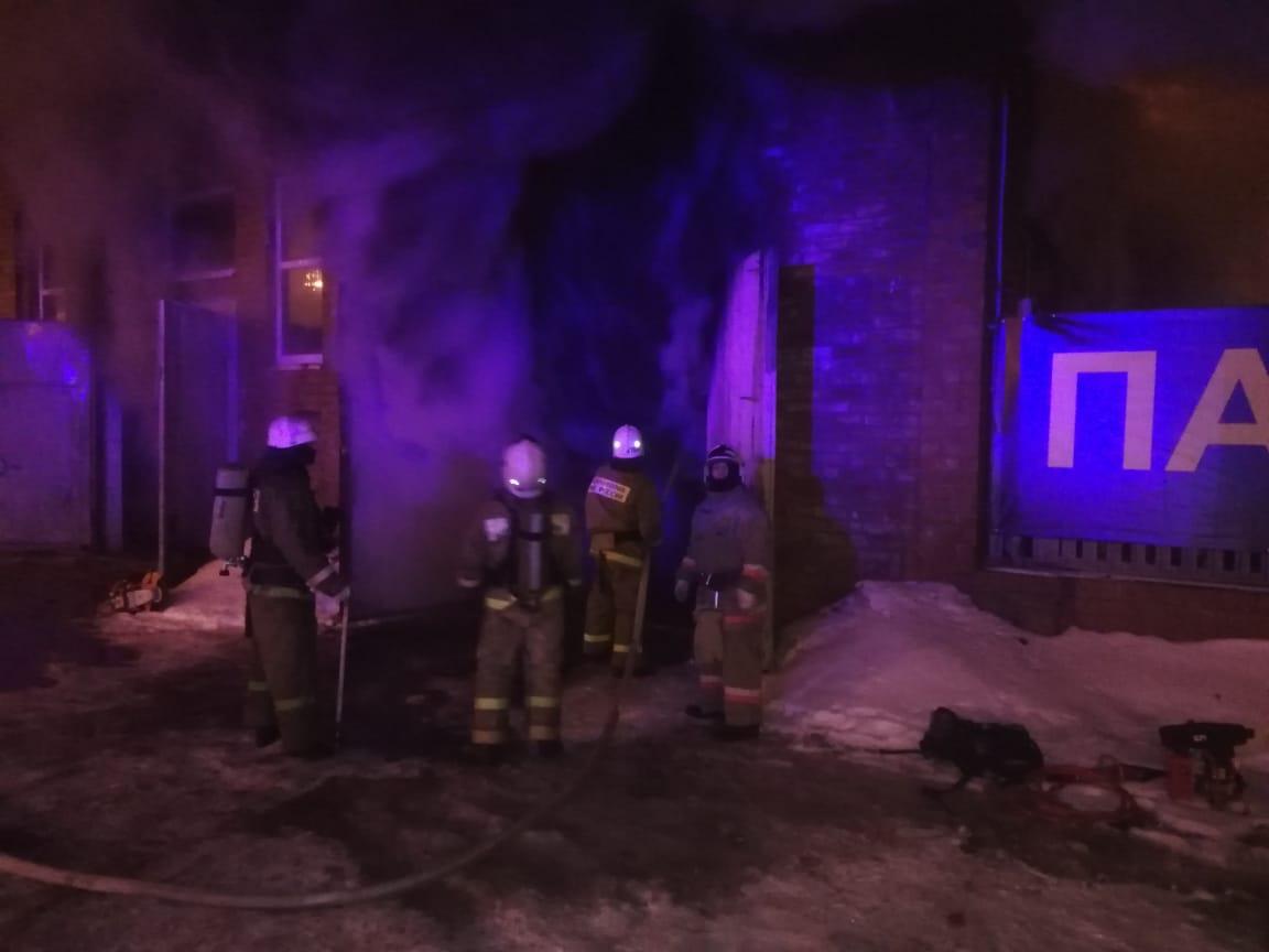 На месте работали 72 огнеборца