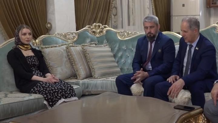 «Ане видно, что Халимат запугана». Вместе с чеченской девушкой из кризисного центра в Махачкале забрали пермячку