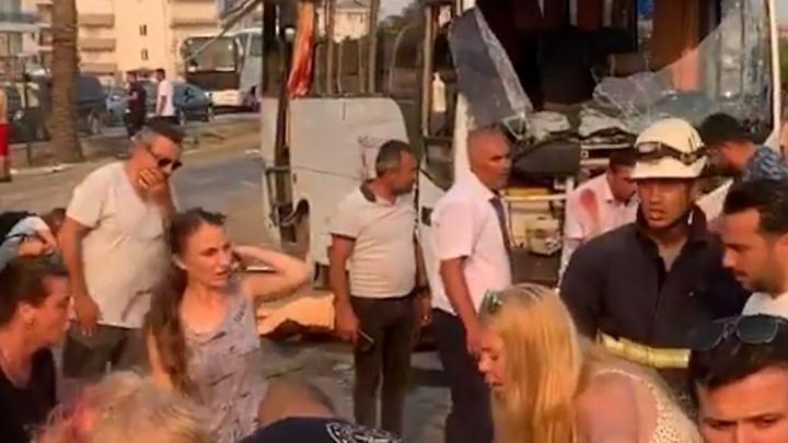 Погибли самарские туристы: СК России возбудил уголовное дело по факту ДТП в Турции