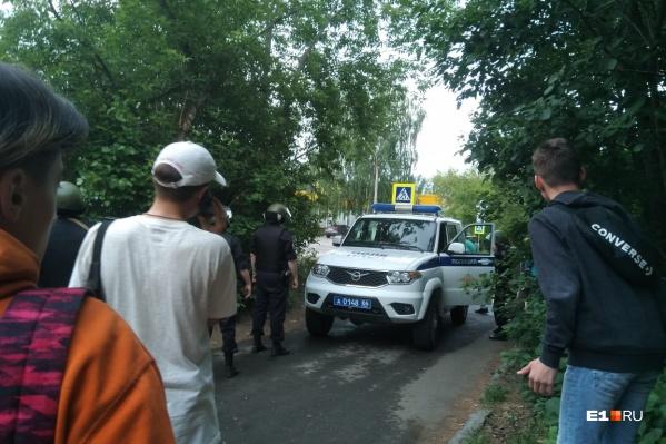 Инцидент произошел рядом с домом на улице Бородина, 26