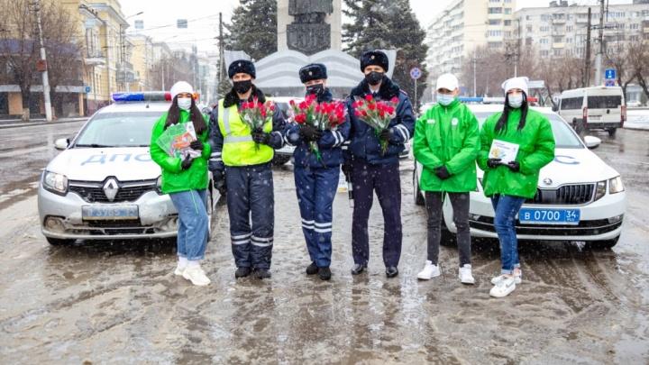Цветочный патруль ŠKODA от «Волга-Раст-Октава» проехал по улицам Волгограда