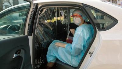 На такси для омских медиков будут тратить по 195 тысяч рублей в день из бюджета