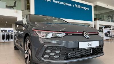 """Volkswagen Golf в Красноярске: новинка доступна <nobr class=""""_"""">для заказа</nobr> <nobr class=""""_"""">у официальных</nobr> дилеров Volkswagen"""