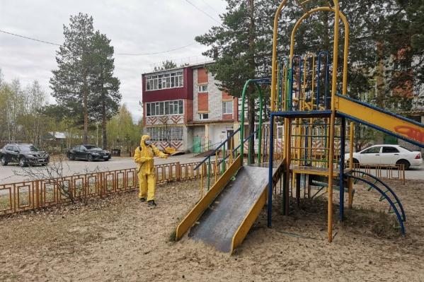 """На покупку дезинфицирующего средства из бюджета района было потрачено <nobr class=""""_"""">4,5 миллиона</nobr> рублей"""