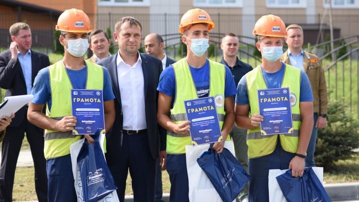 Ростовские студенческие отряды провели торжественную линейку закрытия трудового семестра