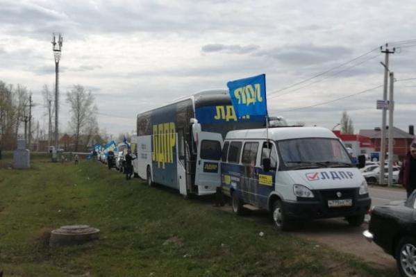 Автобусы партии встречают с надеждой в городах и селах Башкирии