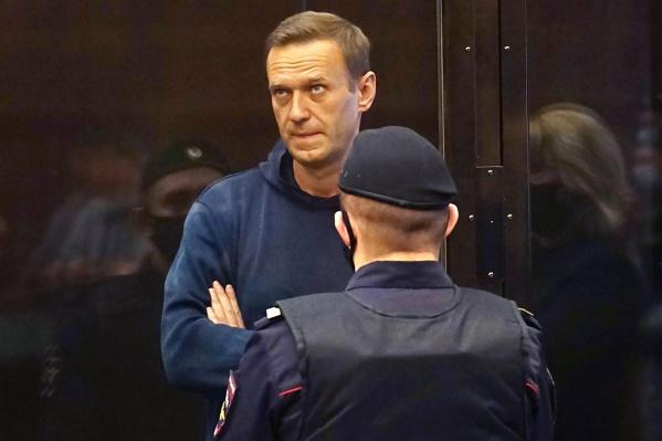 """Навального задержали&nbsp;<nobr class=""""_"""">17 января</nobr>, когда он вернулся в Россию после лечения в Германии"""