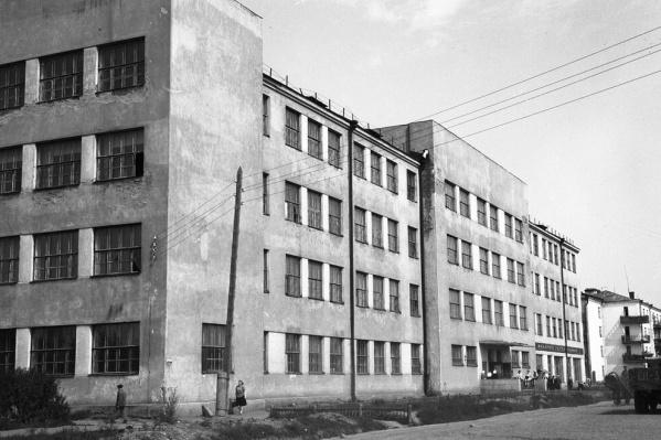 Архивное фото здания ПРОМЭКТа, снесенного в начале этого года