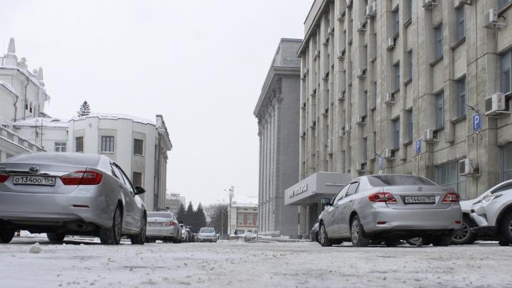Отполировали: как чистят дороги к домам и работе Локтя, Травникова и Меняйло (фоторепортаж на зависть)