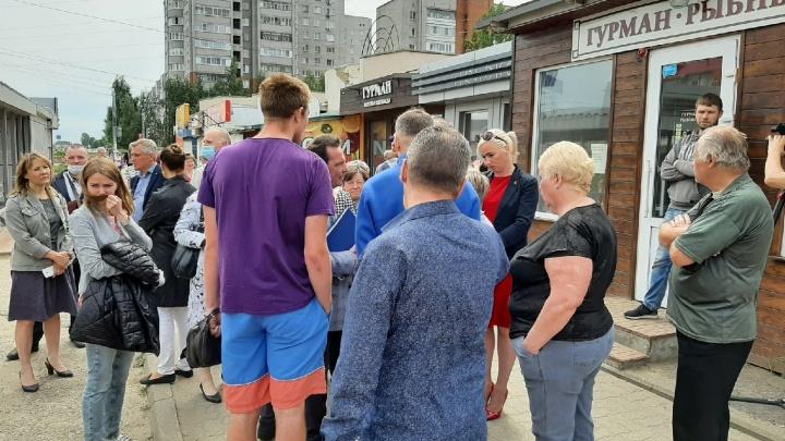 В Ярославле власти снесут торговые ларьки ради «хорошей открытой площадки». Бизнесмены взбунтовались