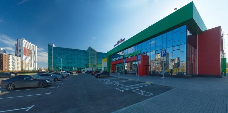 Между ЖК «Меридиан» и «Мичуринским» находится торговый центр