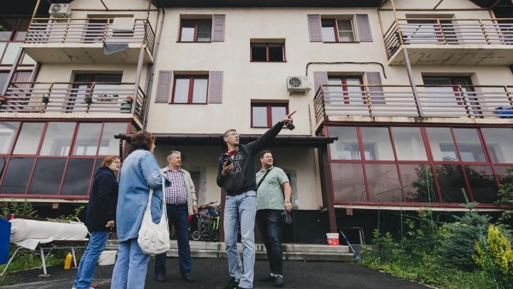 «Страшно включать электричество, чтобы не замкнуло»: погорельцы из «Залесья» жалуются, что остались без помощи