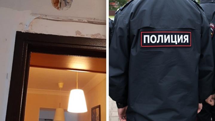 В Екатеринбурге в жилом доме произошла стрельба. Мужчина открыл огонь из ружья