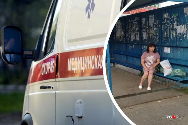 Пострадавшую женщину с остановки увезли на скорой помощи