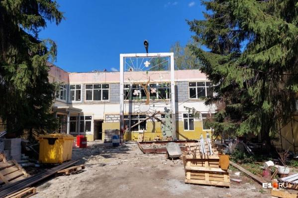 Планируется, что дети пойдут в отремонтированный садик в конце года