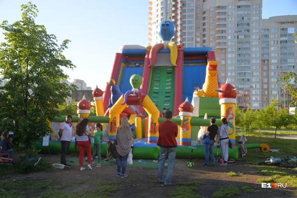 Установленный в удачном месте батут легко может принести своему владельцу и миллион рублей в месяц