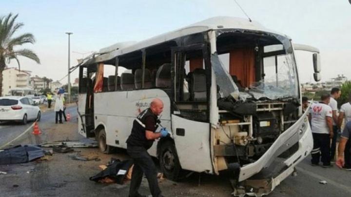 «Были проблемы с колесом»: турист — о состоянии автобуса перед ДТП в Турции