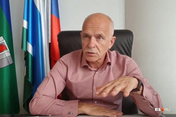 Президент уральской торгово-промышленной палаты Андрей Беседин в прямом эфире рассказал, чего ждать бизнесу от третьей волны пандемии
