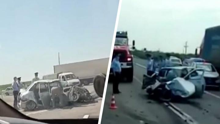 От авто почти ничего не осталось: на Тюменском тракте в ДТП пострадали двое полицейских