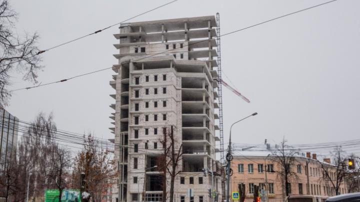 Знаменитая башня-недострой в центре Ярославля оказалась никому не нужна