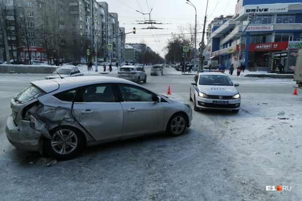 Столкновение произошло наперекрестке улиц Победы — Ильича