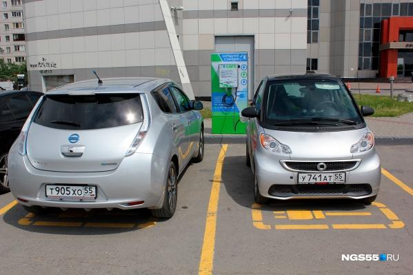Первая зарядка для электромобилей появилась в Омске три года назад
