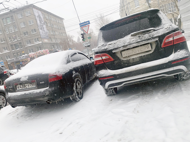 На тротуаре улицы Советской