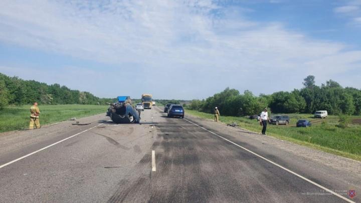 Главное, что живы все: последствия ДТП на трассе в Волгоградской области попали на видео