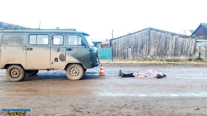 Пьяный водитель задавил идущего в ночи по середине дороги пожилого мужчину
