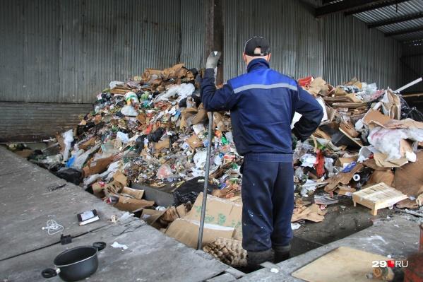 Как именно будет работать система вывоза, досортировки и переработки мусора из новых контейнеров, пока неизвестно