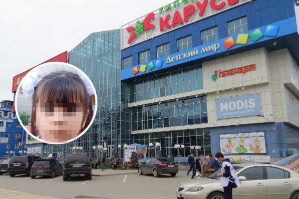 В Тюмени на Московском тракте ищут пропавшую девочку